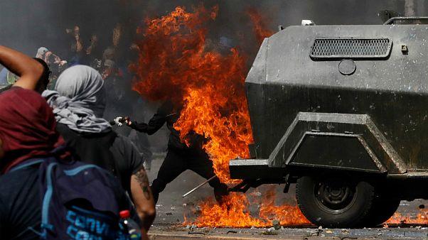 ناآرامیهای شیلی؛ هزاران نفر در اولین روز اعتصاب عمومی تظاهرات کردند