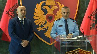 مؤتمر صحافي لقائد الشرطة في تيرانا، أردي فيليو