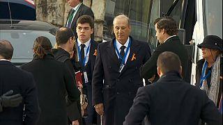 Franco-Enkel kritisiert Staat und Kirche