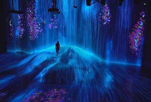 Des graffitis aux œuvres numériques, l'énergie débordante de la scène artistique de Tokyo