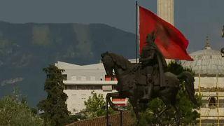 """Parlamento Europeu critica """"bloqueio"""" aos Balcãs"""