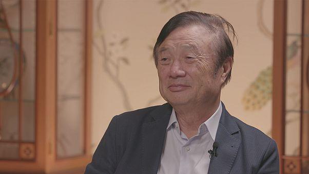 Ο ιδρυτής της Huawei Ζενγκφέι Ρεν στο Euronews