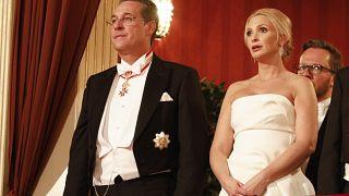 Heinz-Christian Strache osztrák alkancellár és felesége, Philippa a 63. bécsi Operabálon a Bécsi Állami Operaházban 2019. február 28-án