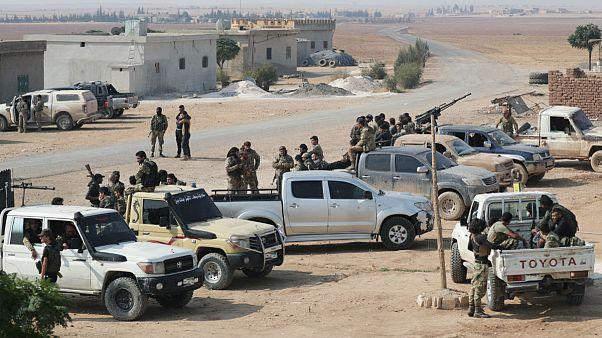 شورشیان تحت حمایت ترکیه در نزدیکی شهر تلابیض در شمال سوریه