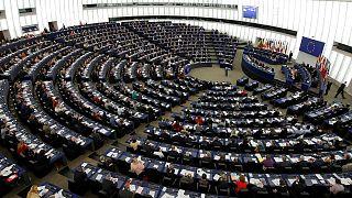 Türkiye'nin kınanmasını engellemeye çalışan Macarlar bu kez AP'de yaptırım talebine destek verdi