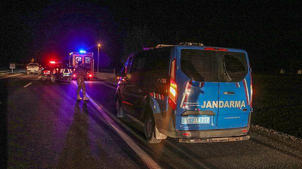 Van'da askeri zırhlı araç devrildi: 26 asker yaralı