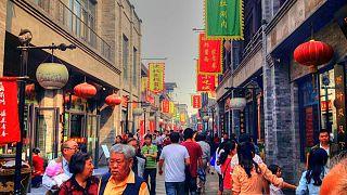 چرا شهروندان چین، دومین اقتصاد بزرگ جهان زندگیشان را برای مهاجرت به خطر می اندازند؟