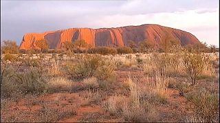Letzter Tag: Touristenansturm vor Sperrung des Uluru