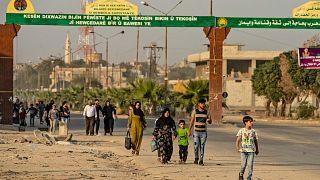 Rasulayn bölgesinde kenti terk eden Suriyeliler
