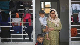 من مراكز لجوء في الحكسة.. نازحون يروون تفاصيل حنينهم إلى منازلهم