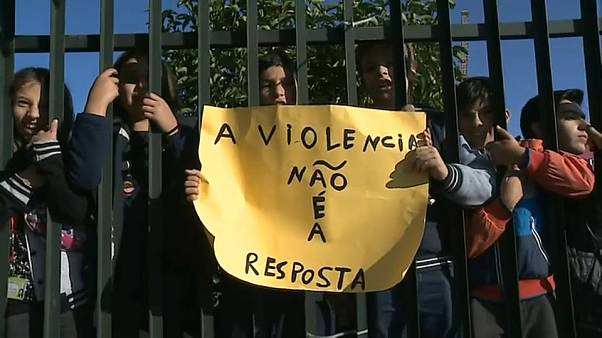 Los maestros protestan contra la violencia en las aulas en Portugal