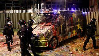 إصابة حوالي 300 شرطي بجروح في أعمال العنف في كاتالونيا
