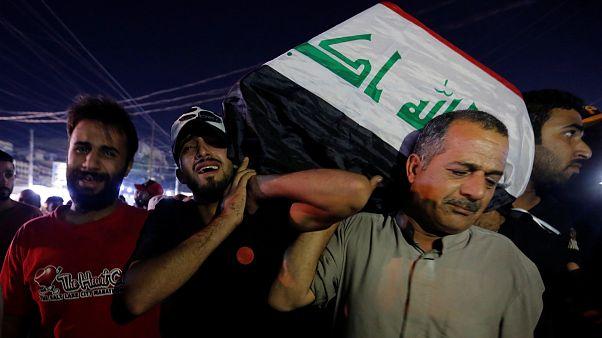 Irak'da hükümet karşıtları yine meydanlara indi: En az 40 kişi hayatını kaybetti