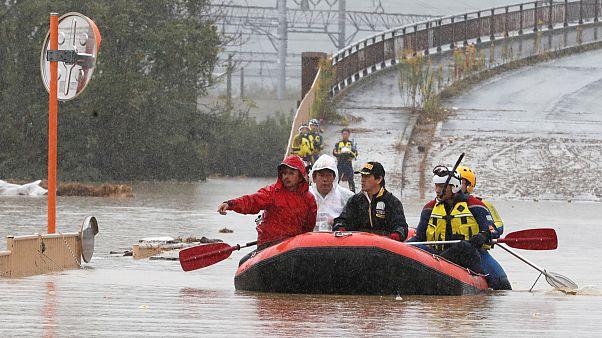 Japonya'da şiddetli yağışlar nedeniyle en az 10 kişi hayatını kaybetti