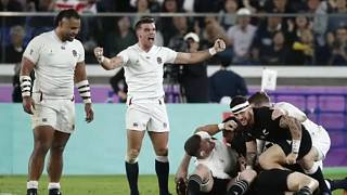 Rögbi-vb: kiesett a címvédő, Anglia a döntőben
