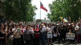 """""""Recht auf Frieden"""": 200 singen Protestsongs von Víctor Jara"""