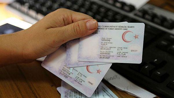 Türkiye'de yeni kimlik kartları
