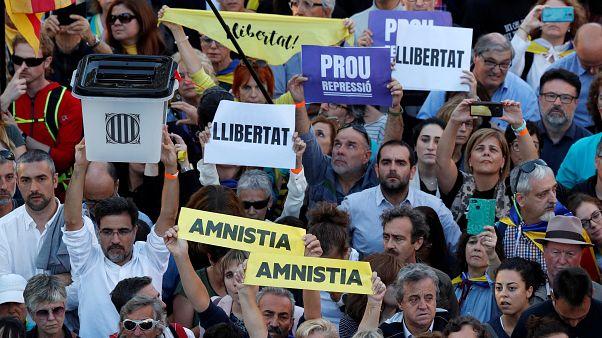 Ογκώδης διαδήλωση 350.000 ανθρώπων στην Βαρκελώνη