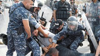 Волна протестов в Ливане не спадает