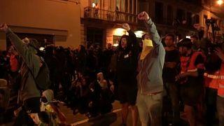 Mindestens 6 Verletzte bei Ausschreitungen im Zentrum Barcelonas