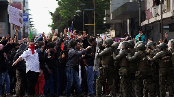Чили: президент обещает перестановки в правительстве