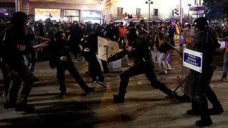 شلیک پلیس به جداییطلبان کاتالونیا؛ ۶ تن در بارسلون مجروح شدند