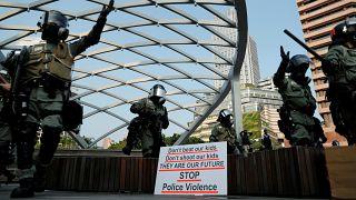 Гонконг: газ против протестующих