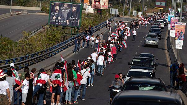 Una cadena humana como forma de indignación en el Líbano