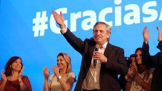 آلبرتو فرناندز بهعنوان رئیس جمهوری جدید آرژانتین برگزیده شد