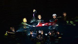 Serbest dalış dünya rekortmeni Ercümen'den bir rekor daha