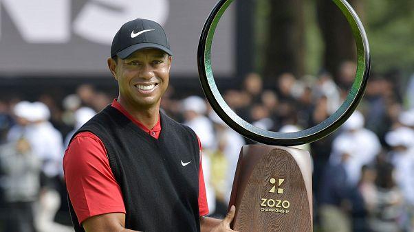 Tiger Woods consegue vitória histórica no Japão