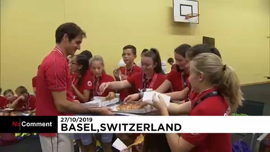 راجر فدرر، قهرمان تنیس جهان به نوجوانان همشهری خود پیتزا تعارف کرد