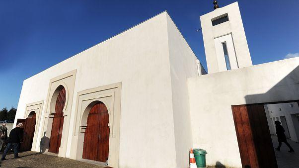 Moschee: Mann (84) schiesst auf zwei Menschen