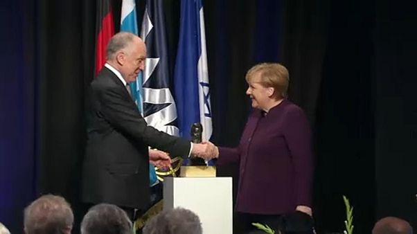 """Angela Merkel a """"civilizáció védelmezője"""""""