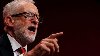 Лидер лейбористов Корбин согласен на проведение досрочных выборов - AFP