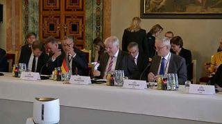 Zusammenarbeit von G6-Staaten bei Bekämpfung von Rechtsextremismus