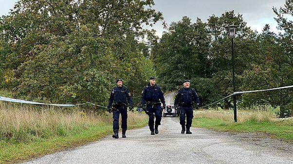 عناصر شرطة سويدية في إحدى ضواحي العاصمة استوكهولم