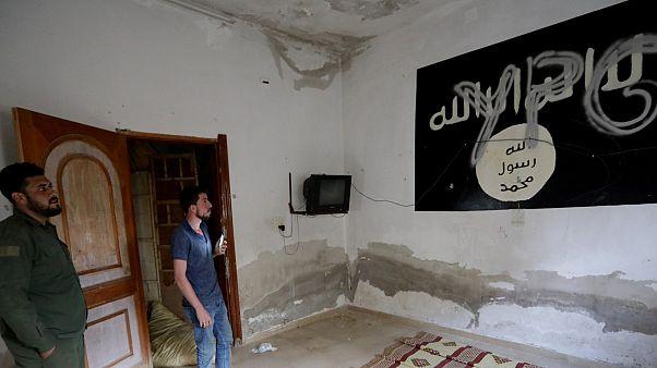 تعرف على خفايا سجون معتقلي تنظيم الدولة الإسلامية في سوريا