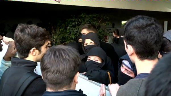 Los independentistas paran las clases en la Pompeu Fabra de Barcelona