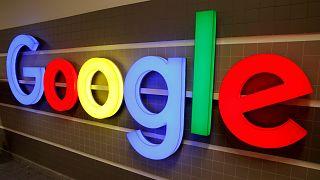 """أنباء عن مساعٍ تبذلها الشركة الأم لـ""""غوغل"""" لشراء """"فيتبيت"""""""
