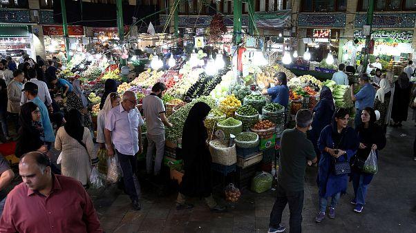 سوق شعبي في وسط العاصمة الإيرانية طهران
