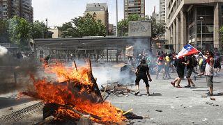 Şili hükümetinden gelen 'özür' açıklaması gösterileri durduramadı