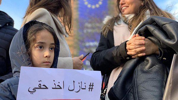 تجمع مخالفان عراقی در مقابل ساختمان کمیسیون اروپا