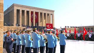 Erdogan visits Anitkabir to mark anniversary of Republic Day