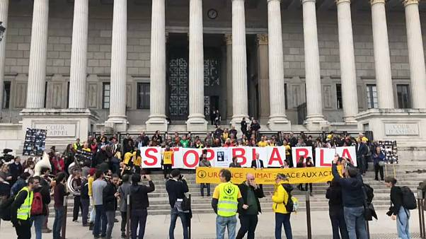 Macrons Bild abgehängt: Prozess in Lyon