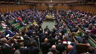 Палата общин согласилась переизбраться. Выборы намечены на 12 декабря