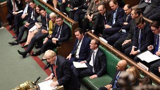 Neuwahl am 12.12.: Britisches Parlament stimmt für Johnsons Vorschlag