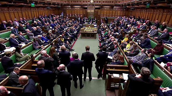 Megszavazta a brit alsóház az előrehozott választások kiírását