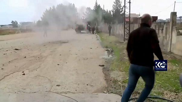 شاهد: لحظة استهداف مركبة عسكرية روسية على الحدود السورية التركية