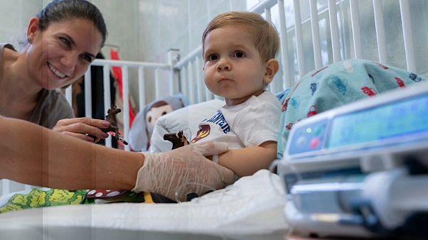 Los padres de Zente consiguen el millonario tratamiento que puede salvarle la vida